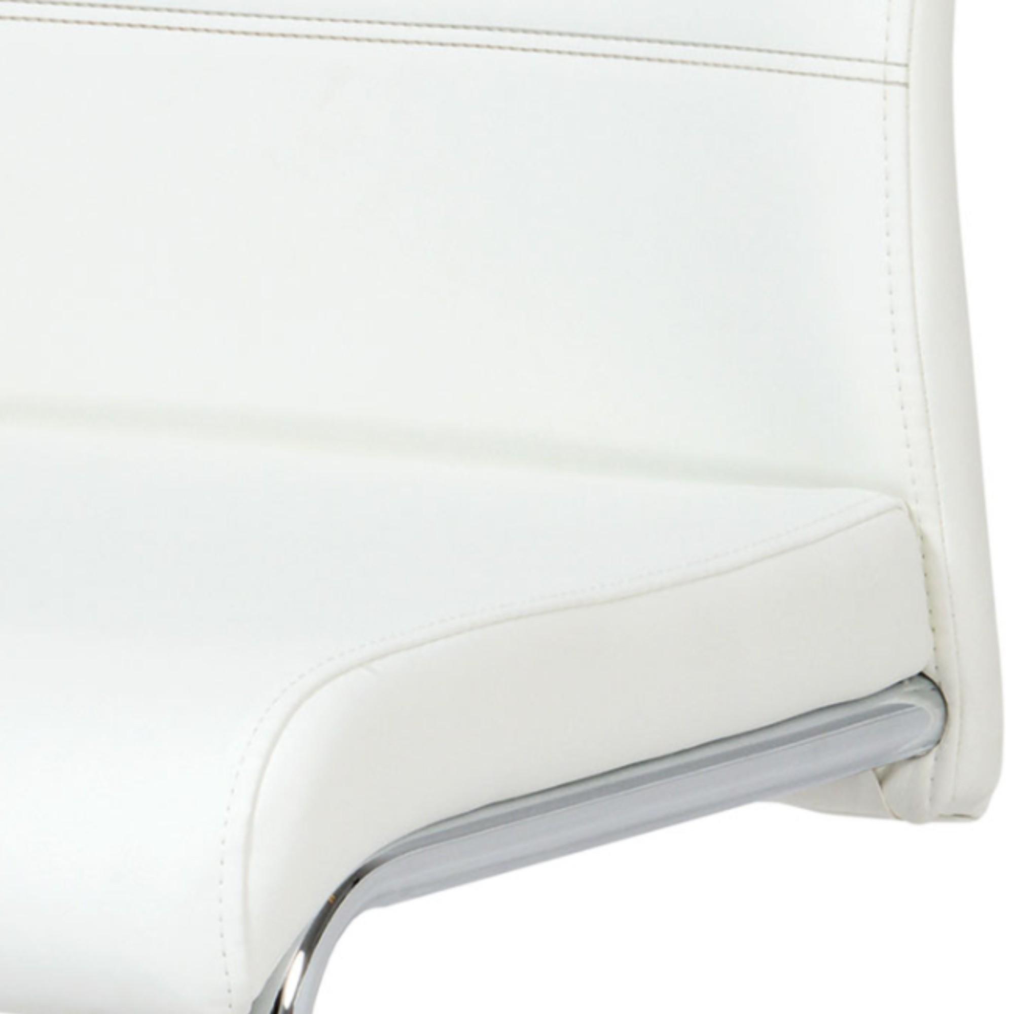 Sconto Jedálenská stolička BONNIE CAP biela BONNIE CAP je klasická jedálenská stolička s čalúneným sedadlom a operadlom.