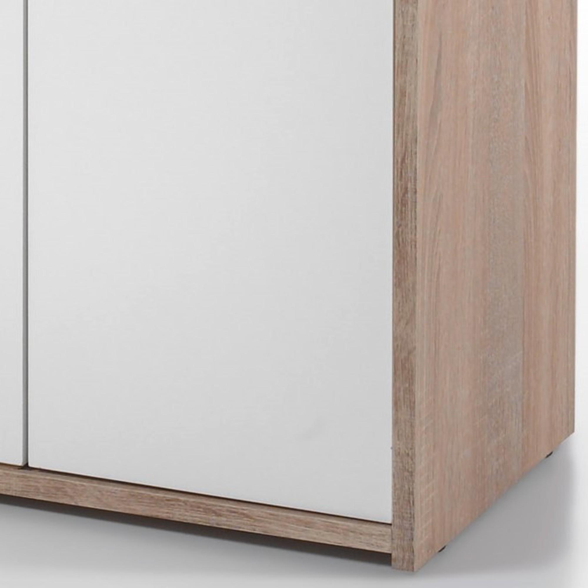 Sconto Komoda FUEGO dub sonoma/biela Viacúčelová komoda FUEGO sa vyznačuje svojím čistým moderným dizajnom.